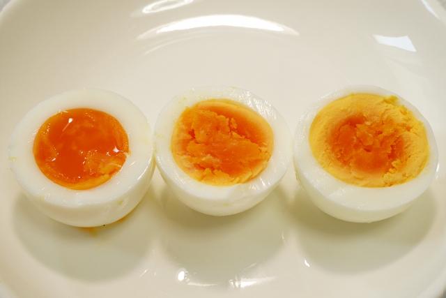 ゆで卵は腐るとどうなるの?においや見た目、味で見分ける方法はある?