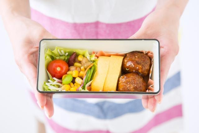 お弁当を冷ますのにそのまま冷蔵庫はキケン?安全な冷まし方はこうする!