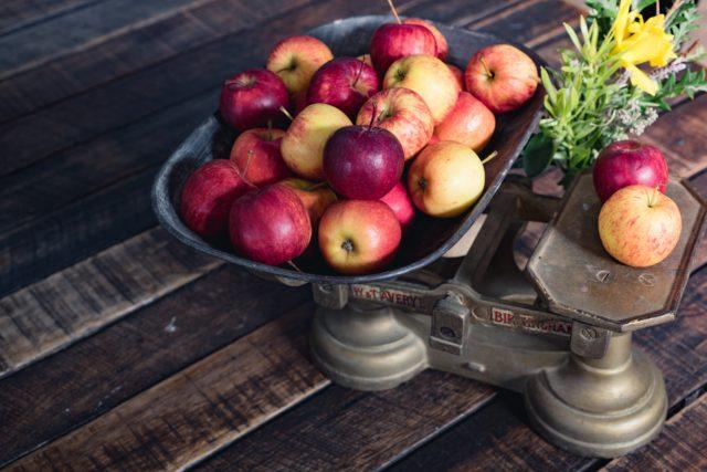 りんごの保存は常温と冷蔵のどっち?シャキシャキのまま長持ちのコツは?のイメージ