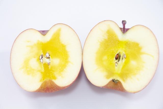 りんごの蜜が茶色になる